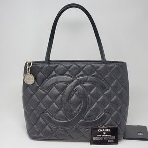 💯 Auth CHANEL Medallion Silver Caviar Tote Bag